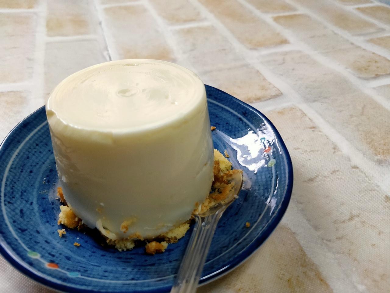 完成したレアチーズケーキがこちら